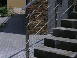 SLOUPEK zábradlí HRANATÝ VRCHNÍ na schodiště nerezový