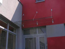 VCHODOVÁ STŘÍŠKA ZÁVĚSNÁ 2,4x1,0m s 3táhly nerez