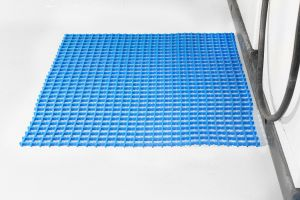 Modrá univerzální průmyslová protiskluzová olejivzdorná rohož (mřížka 22 x 10 mm) - délka 5 m, šířka 90 cm a výška 1,2 cm FLOMAT