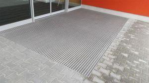 Textilní hliníková kartáčová vnitřní vstupní rohož Alu Low Extra, FLOMAT - délka 100 cm, šířka 100 cm a výška 1 cm