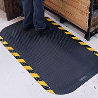 Černá protiúnavová protiskluzová rohož - délka 84 cm, šířka 147 cm a výška 2,2 cm FLOMAT