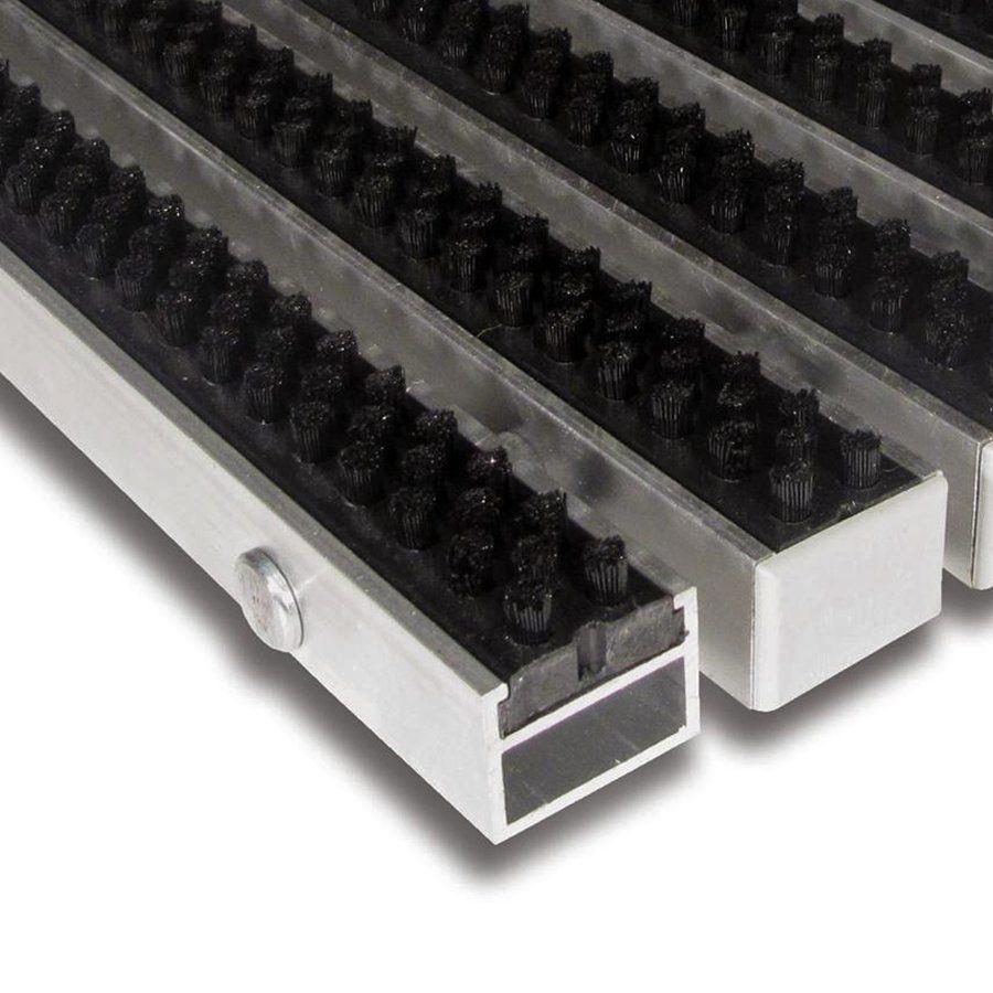 Černá hliníková kartáčová venkovní vstupní rohož Alu Super, FLOMAT - délka 100 cm, šířka 150 cm a výška 2,7 cm