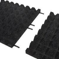 Černá gumová dlaždice (V40/R28) - délka 50 cm, šířka 50 cm a výška 4 cm