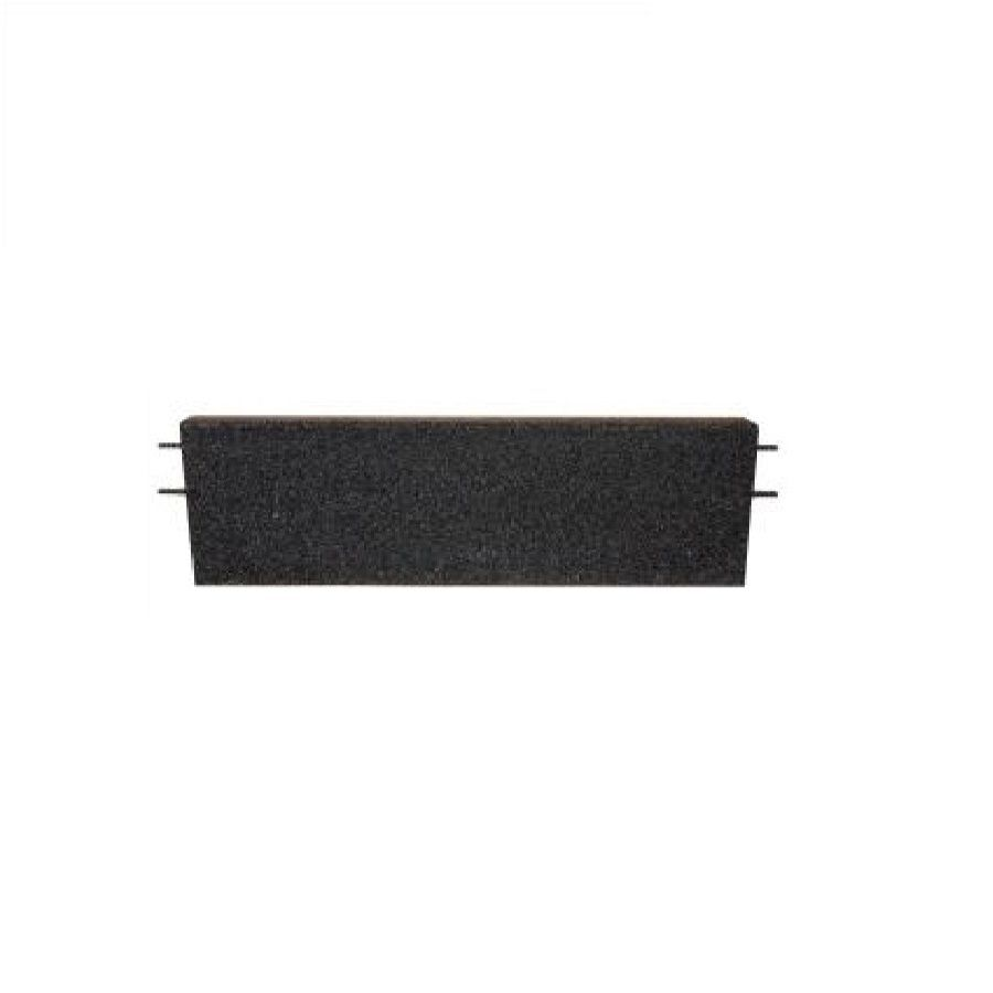 Černý rovný nájezd pro gumové dlaždice - délka 75 cm, šířka 30 cm a výška 4,5 cm FLOMAT