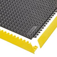 Černá gumová modulární průmyslová rohož Skywalker HD, Nitrile FR - délka 91 cm, šířka 91 cm a výška 1,3 cm