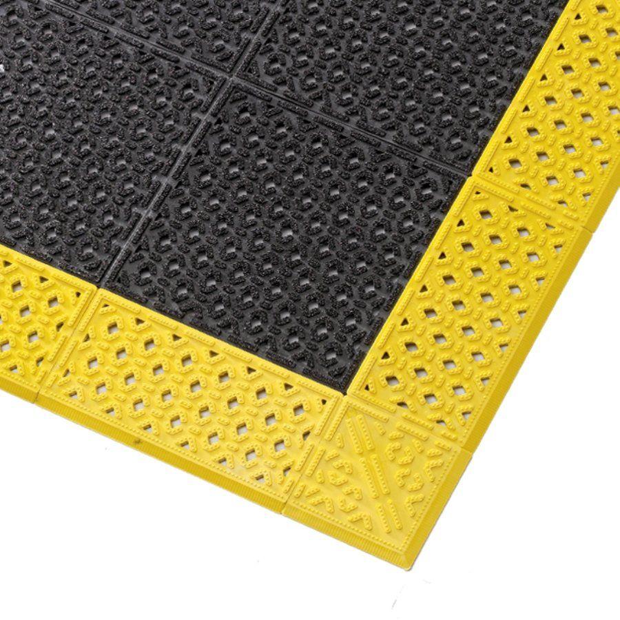 Černá plastová děrovaná rohož Cushion Lok HD, Grip Step - délka 107 cm, šířka 183 cm a výška 2,2 cm FLOMAT