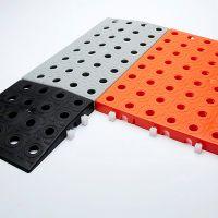 Hnědá plastová modulární dlaždice AT-STD, AvaTile - délka 25 cm, šířka 25 cm a výška 1,6 cm FLOMAT