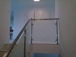Sloupek zábradlí hranatý vrchní na galerie pro sklo - středový, rohový