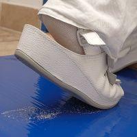Bílá lepící dezinfekční hygienická antibakteriální dekontaminační rohož - délka 115 cm a šířka 45 cm - 30 listů FLOMAT
