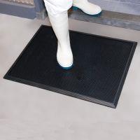 Černá gumová hygienická dezinfekční rohož Sani-Trax - délka 60 m, šířka 45 cm a výška 1,9 cm