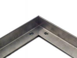 Hliníkový rám pro vstupní rohože a čistící zóny 100 x 100 cm FLOMA pro zapuštění do podlahy - šířka 2,5 cm, výška 2,5 cm a tloušťka 0,3 cm FLOMAT