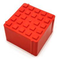 Oranžový plastový vyznačovací prvek ProGrass MAX, FLOMA - délka 9,7 x 9,7 x 5,9 cm