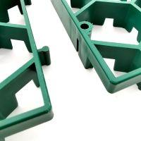 Zelená plastová zatravňovací dlažba Linea Salvaprato - délka 115,7 cm, šířka 75,4 cm a výška 3 cm