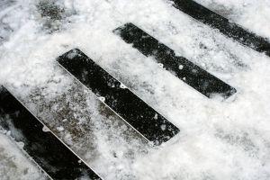Zelená náhradní protiskluzová páska pro hliníkové nášlapy FLOMA Standard - délka 63,5 cm, šířka 11,5 cm a tloušťka 1 mm