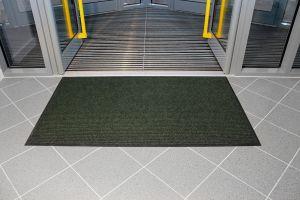 Zelená textilní vstupní vnitřní čistící rohož - délka 90 cm, šířka 150 cm a výška 0,7 cm FLOMAT