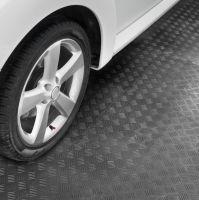 Černá plastová zátěžová puzzle protiskluzová dlaždice Tenax - délka 50 cm, šířka 50 cm a výška 0,8 cm