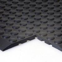 Černá gumová průmyslová protiúnavová olejivzdorná rohož (25% nitrilová pryž) - délka 90 cm, šířka 60 cm a výška 1,4 cm FLOMAT