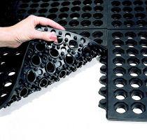 Černá gumová modulární průmyslová protiúnavová protiskluzová děrovaná rohož Fatigue - délka 90 cm, šířka 90 cm a výška 1,8 cm FLOMAT