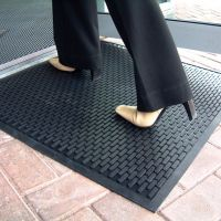 Černá gumová průmyslová protiskluzová rohož - délka 150 cm, šířka 85 cm a výška 0,6 cm FLOMAT