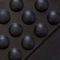 Černá gumová průmyslová protiúnavová olejivzdorná rohož (25% nitrilová pryž) - délka 120 cm, šířka 90 cm a výška 1,4 cm FLOMAT