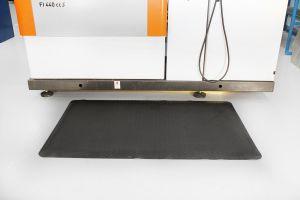 Černá gumová průmyslová protiúnavová rohož - délka 1830 cm, šířka 120 cm a výška 1,4 cm FLOMAT