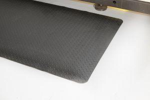 Černá gumová průmyslová protiúnavová rohož - délka 300 cm, šířka 90 cm a výška 1,4 cm FLOMAT
