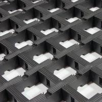 Černá univerzální průmyslová olejivzdorná rohož (mřížka 30 x 30 mm) - délka 5 m, šířka 90 cm a výška 1,2 cm FLOMAT