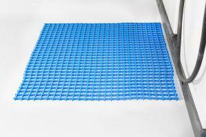 Modrá univerzální průmyslová olejivzdorná rohož (mřížka 30 x 30 mm) - délka 10 m, šířka 60 cm a výška 1,2 cm FLOMAT