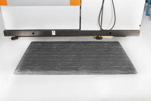 Šedá gumová protiúnavová průmyslová rohož - délka 150 cm, šířka 90 cm a výška 1,4 cm FLOMAT